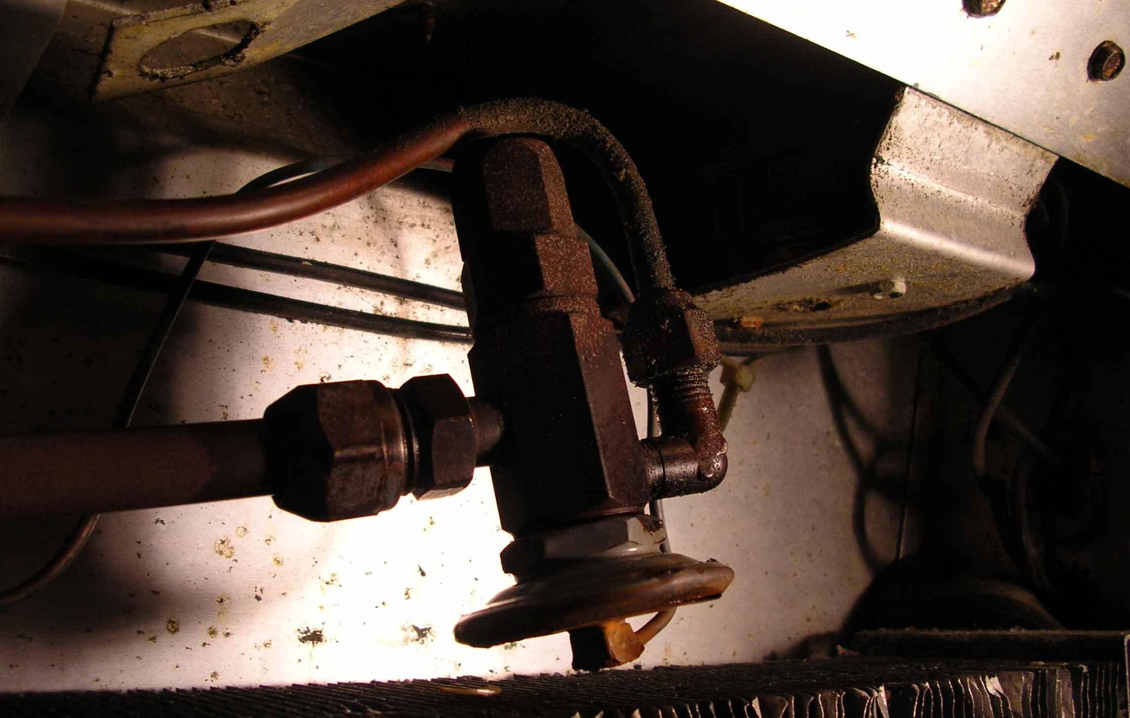 Старый клапан и трубки