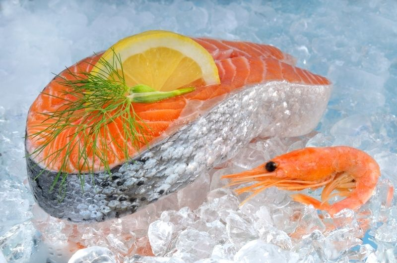 Выкладка рыбы на лед