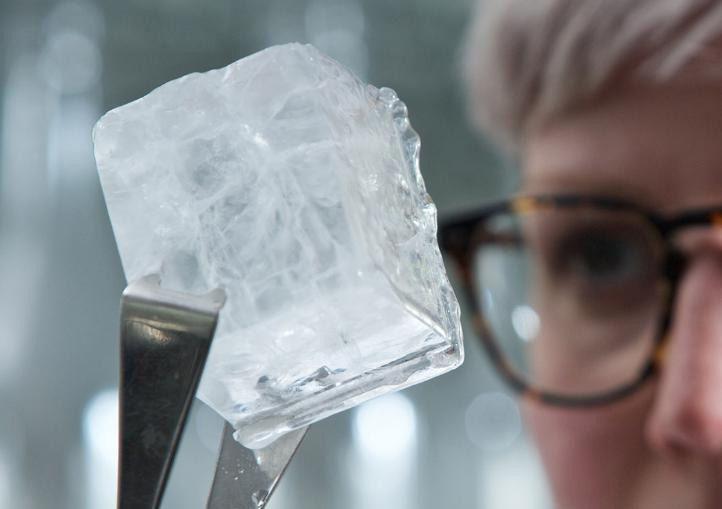 Ледяной шестигранный куб