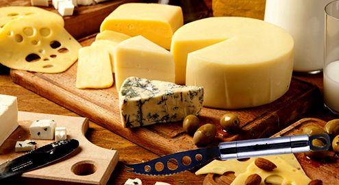 Кухонный нож для сыра